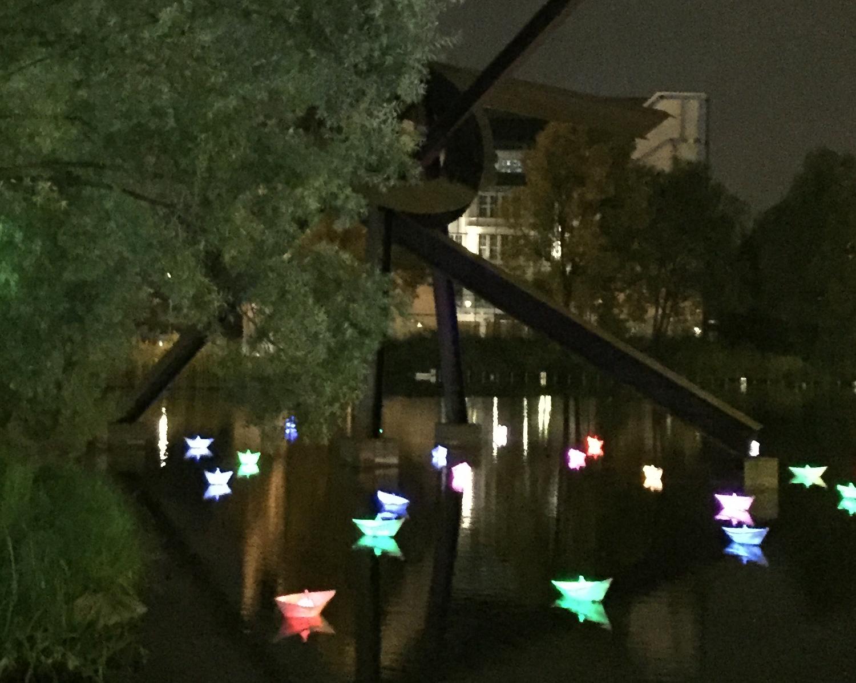 Berlin leuchtet 2016 - LED-Boote auf dem Pianosee