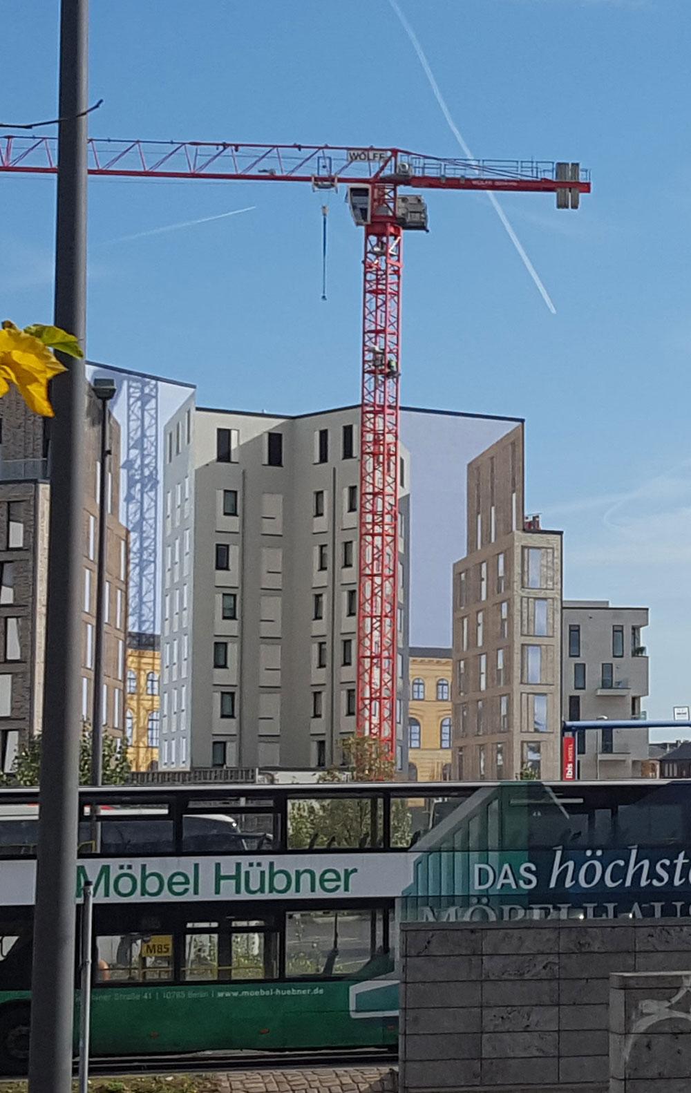 Transparent an der Baustelle am Busbahnhof gegenüber vom Hauptbahnhof im Oktober 2019