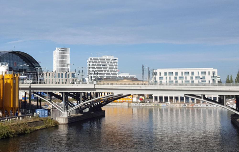 Blick auf die neuen Gebäude am Humboldhafen im Oktober 2019