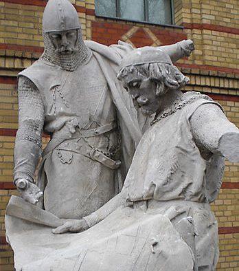 Berliner Stadtgründung: Die Markgrafenbrüder Johann I. und Otto III. - Denkmal von Max Baumbach in der Zitadelle Spandau - fotografiert von Ulrich Waack