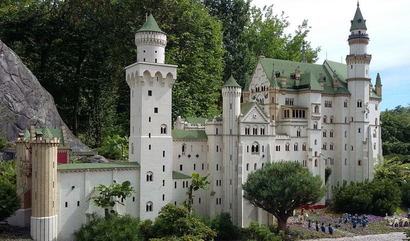 Schloss Neuschwanstein im Legoland Miniland