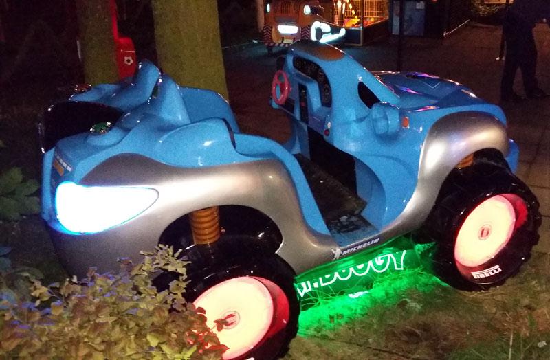 Swinemünde - Blinkendes Auto in einer Rummelbude