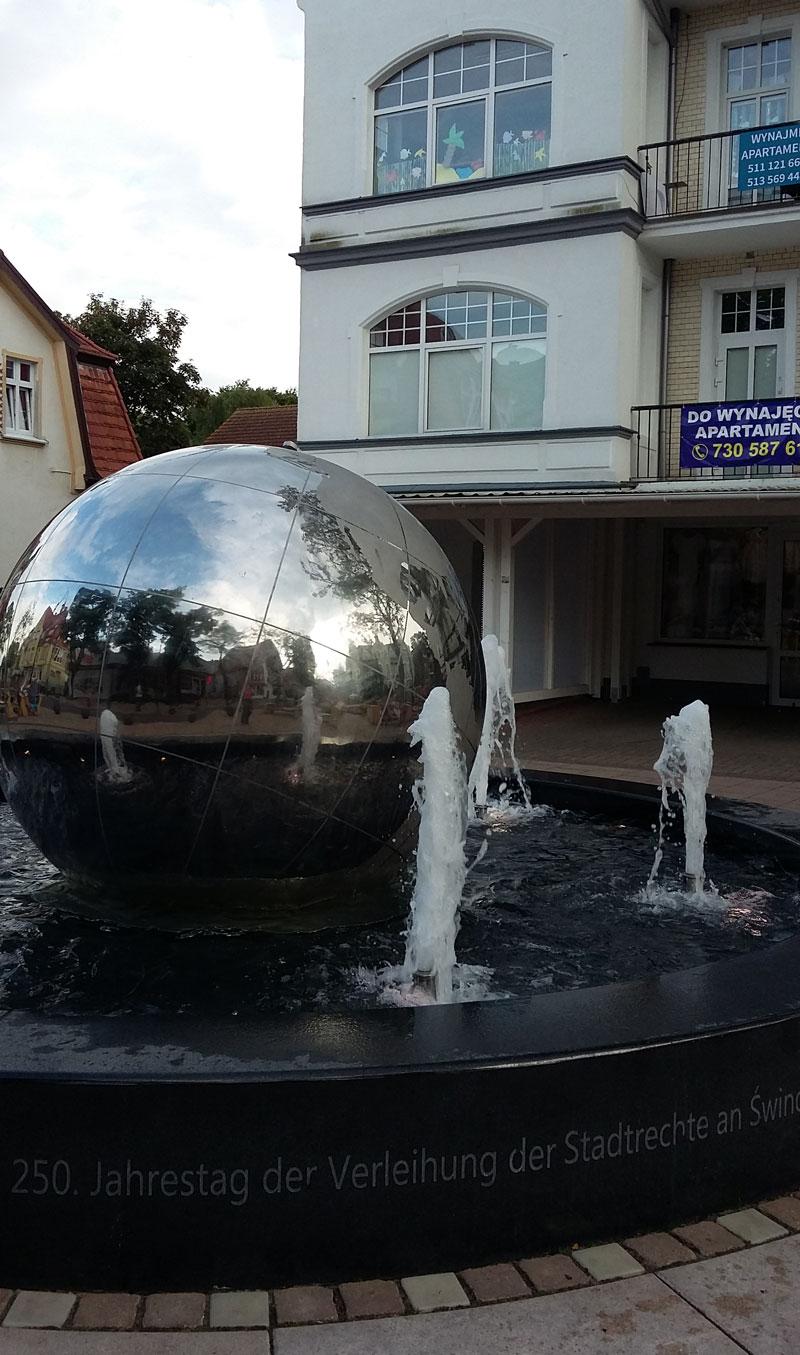 Neuer Brunnen am Swinemünder Stadtmarkt