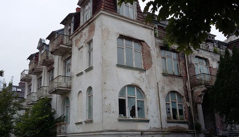 Swinemünde - nicht sanierte Villa an der Strandpromenade