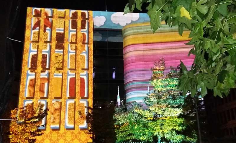 Lichterfest in Berlin - Botschaft von Singapur - Illumination von Friederike Neumann