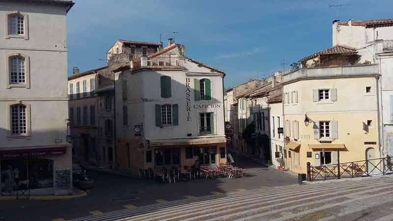 Arles - Platz vor dem Amphitheater 01