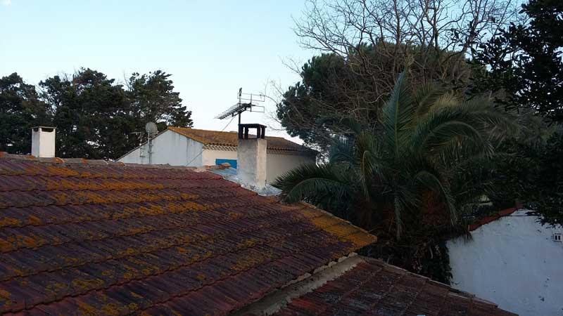 Blick über Dach und Garten von Brigitte in Astouin