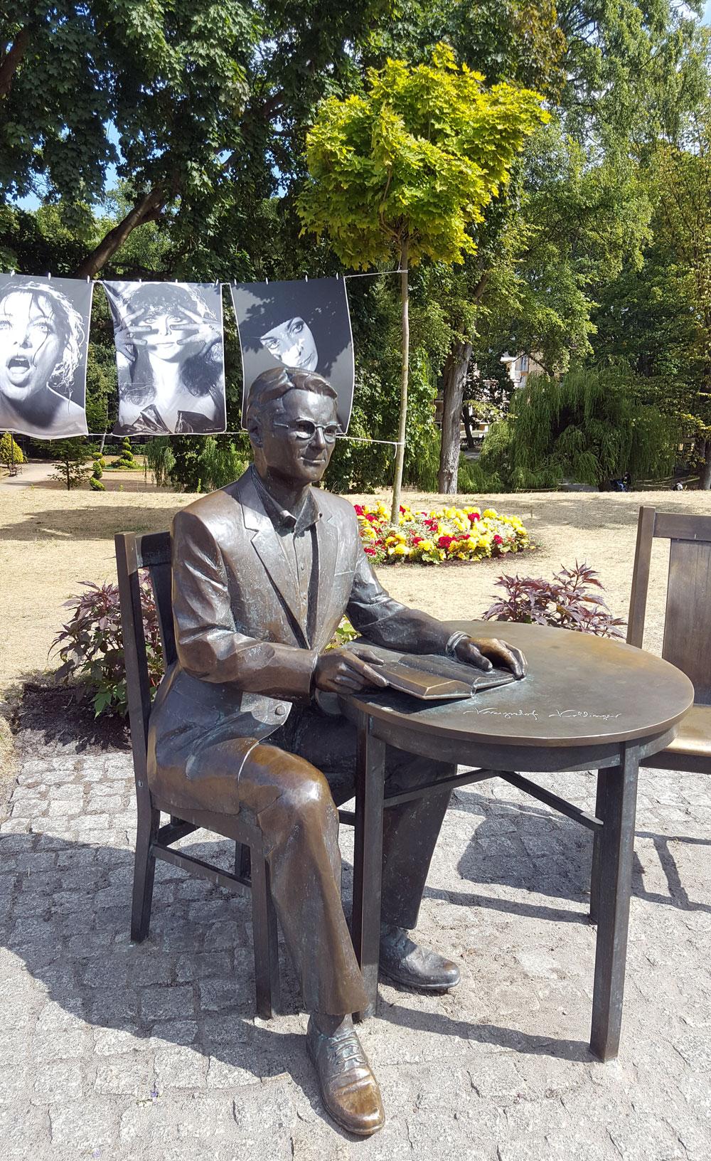 Statue eines mir unbekannten polnischen Stars - ein Poet?