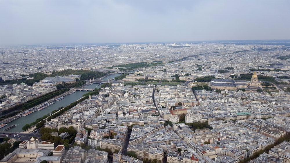Ausblick aus der 3. Etage des Eiffelturms auf die Seine