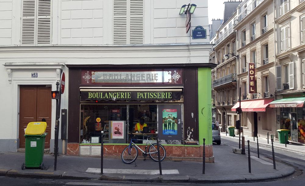 Boulangerie in der Rue Rodier im Quartier Rochechouart