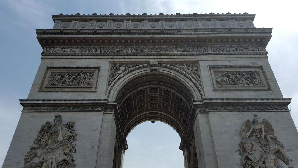 Arc de Triomphe de l'Étoile im Quartier 65 in Paris