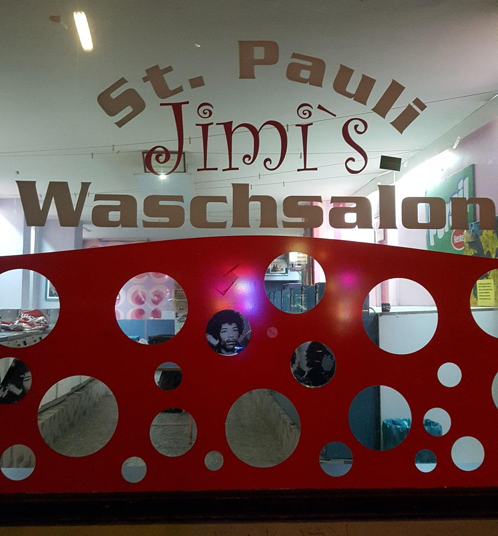 Lustiges Schaufenster von Jimi´s Waschsalon in der Hein-Hoyer-Straße
