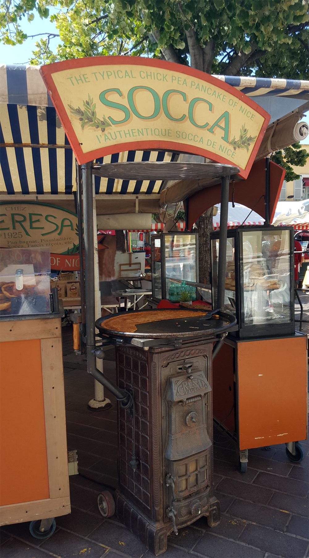 "Soccaofen am Marktstand ""Chez Theresa"""