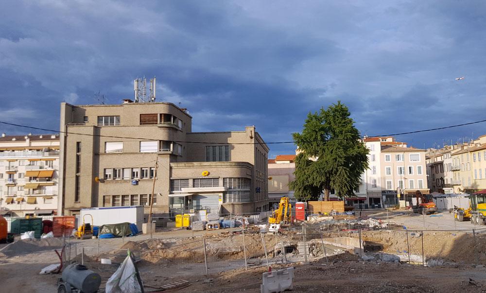 Baustelle in Antibes am Place des Martyrs de la Résistance