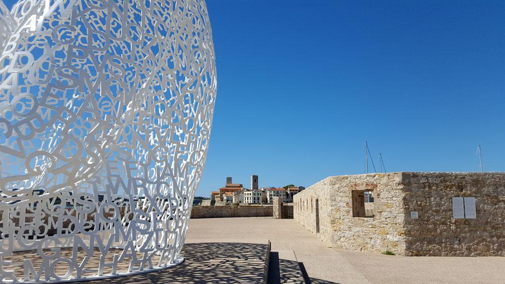 "Detailaufnahme der Skulptur ""Le Nomade"""