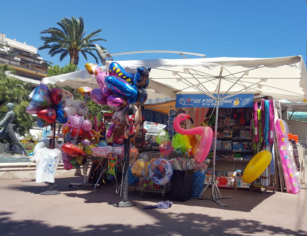 Strandkiosk an der Croisette in Cannes