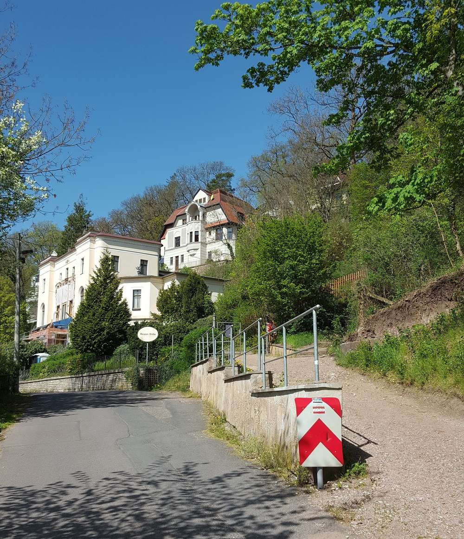 Beginn des Wanderwegs zur Wartburg - vorbei an der Reuter Villa