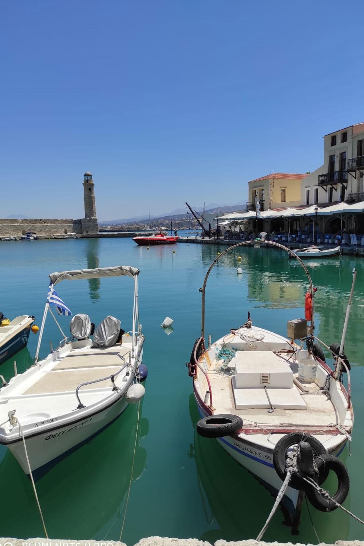 Kleine Boote am venezianischen Hafen in Rhethymno