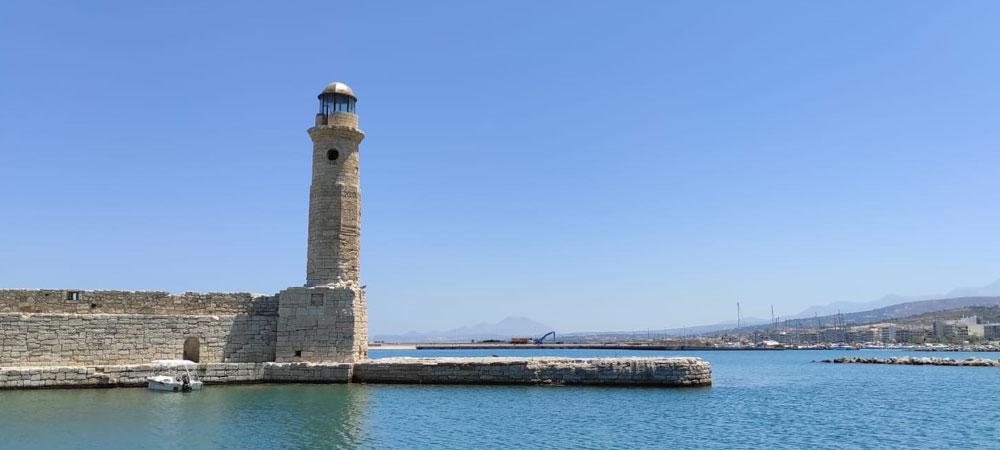 Leuchtturm am venezianischen Hafen in Rhethymno