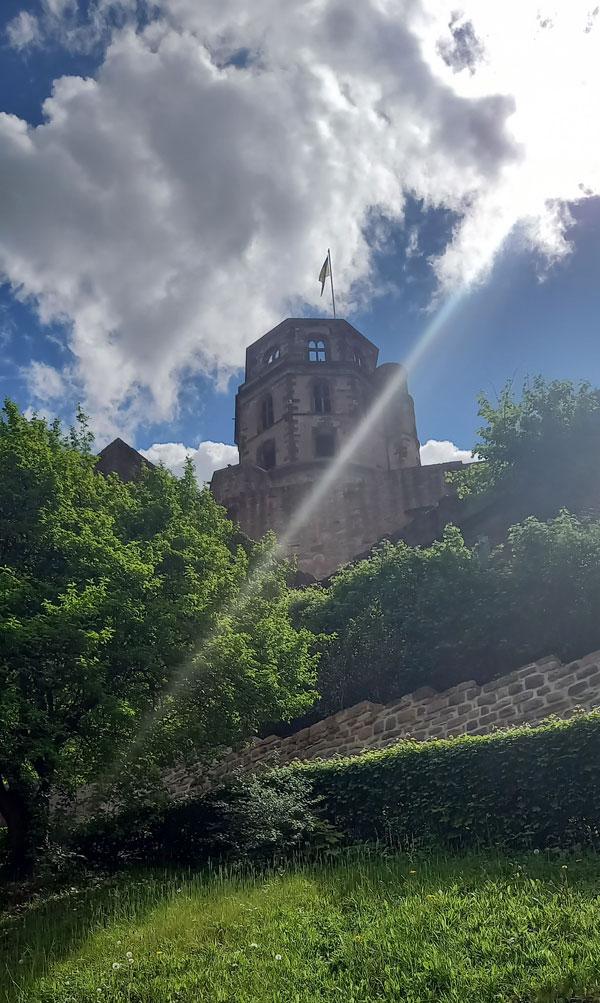 Burgturm der Schlossruine