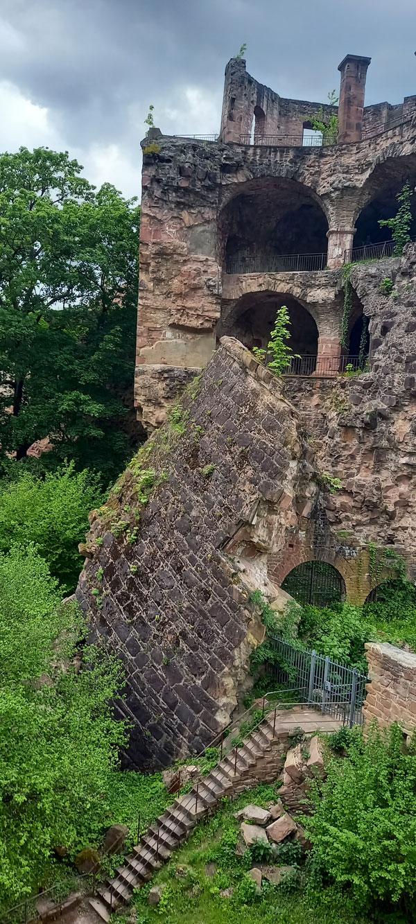 """Der """"Gesprengte Turm"""" am Heidelberger Schloss"""