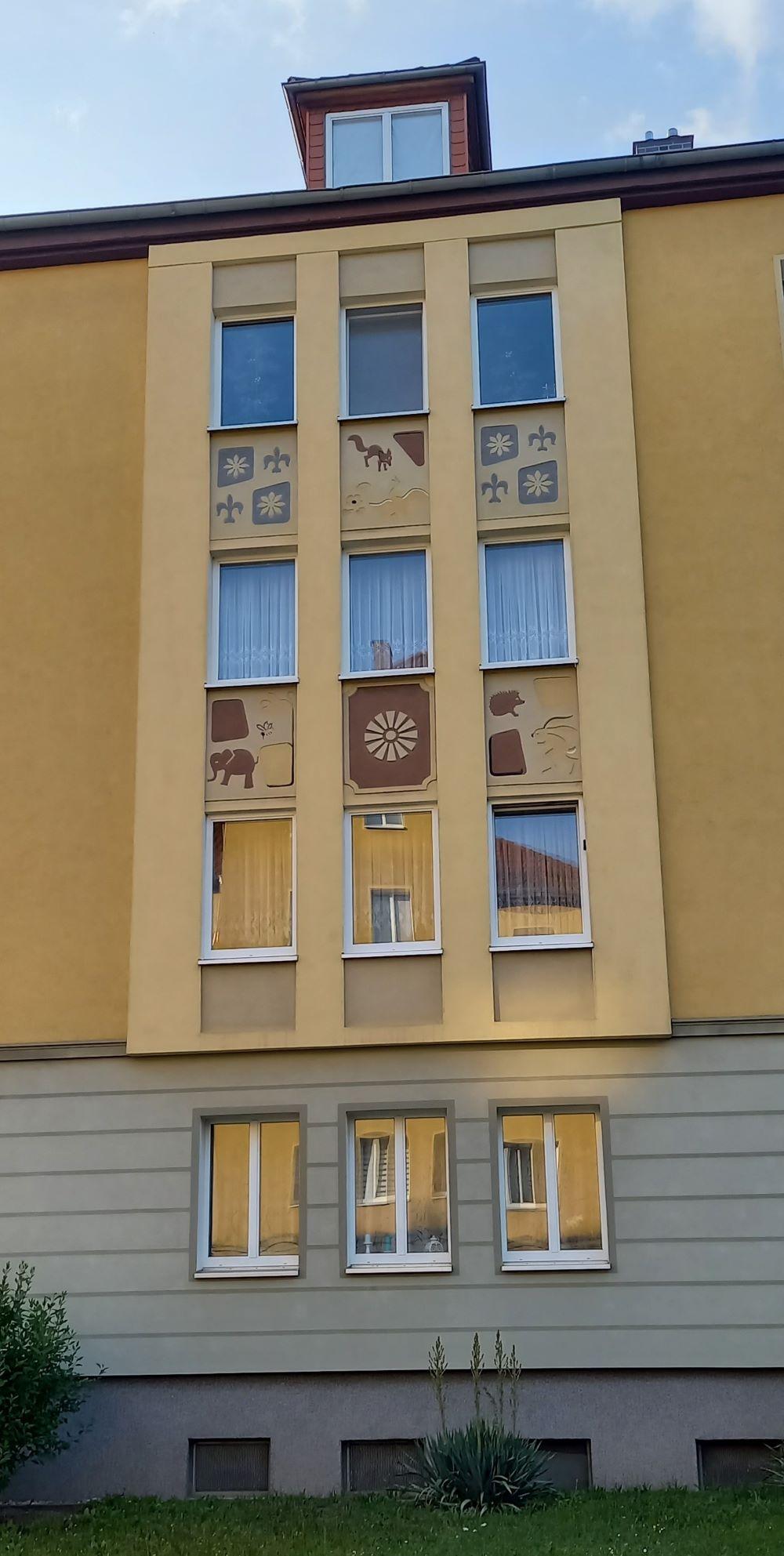 sanierter DDR-Bau in der Löbervorstadt
