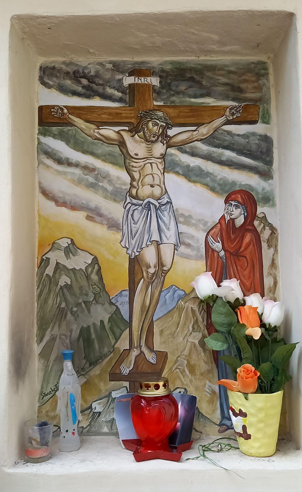 Kleiner Altar in einer Mauernische